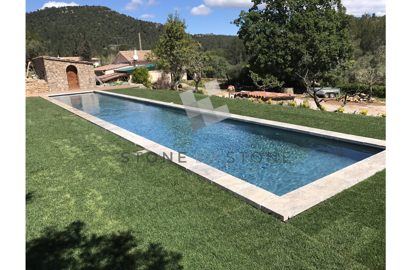 Margelle de Piscine Grise Pierre travertin bord droit - 40x80/8cm