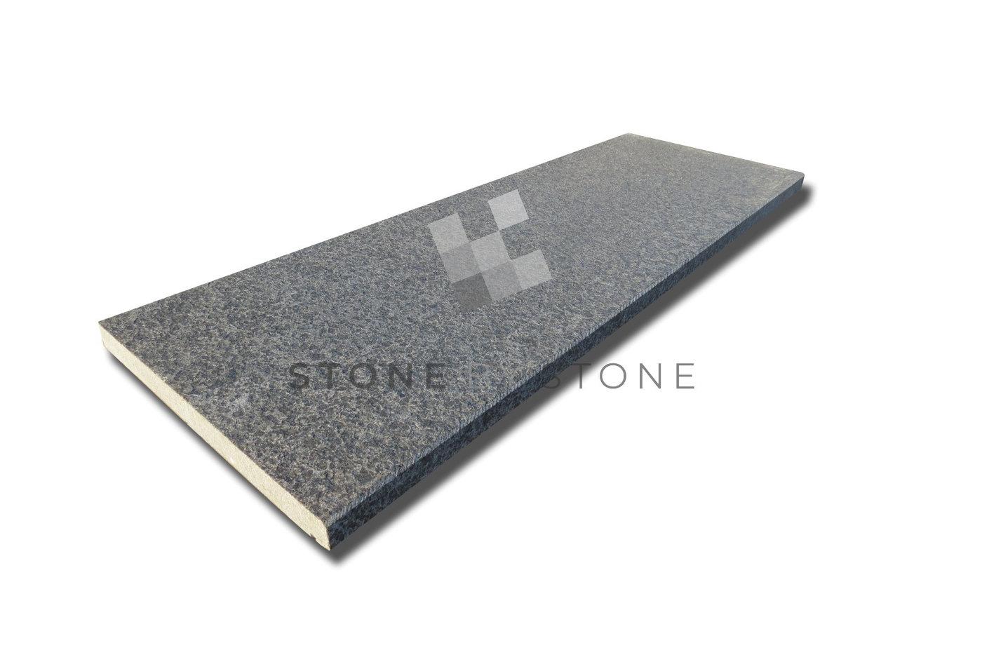 Margelle de piscine grise en pierre granit de chine bord for Bord de piscine en pierre