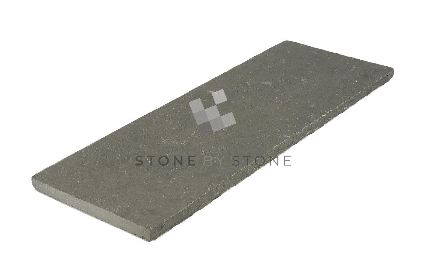 Margelle de piscine en pierre calcaire des indes bord cliv for Bord de piscine en pierre